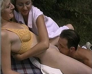 Sabrina Ricci et sa copine : Défonce moi le cul 3