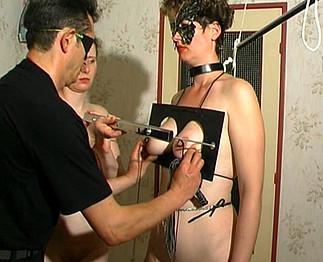2 esclaves soumises à leur maître - Zlex.eu | Du sexe � volont�