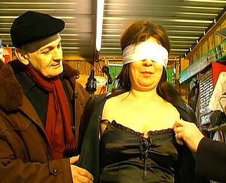 Femme de +50 ans humiliée par 2 vieux